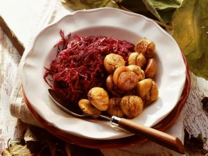 Red Cabbage with Roasted Chestnuts recipe