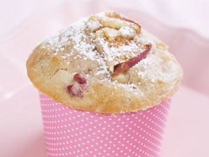 Redcurrant and Strawberry Cakes recipe
