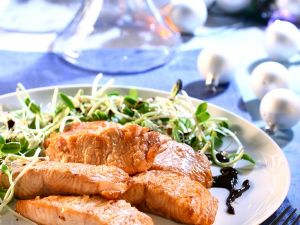 Roasted Salmon with Bean Sprouts recipe