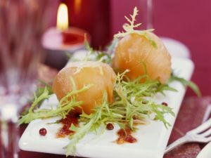 Salmon Appetisers with Arugula recipe
