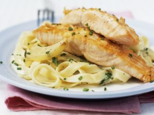 Salmon with Fresh Chives and Tagliatelle recipe