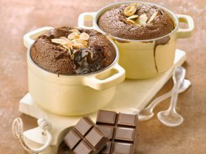 Small Chocolate Cakes with Almonds recipe