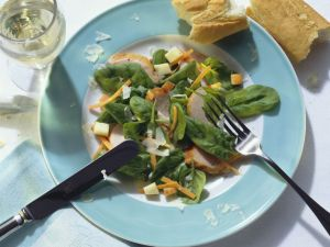 Smoked Chicken and Apple Salad with Spinach Leaves recipe