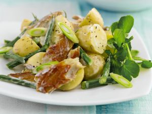 Smoked Fish with Potatoes and Leaves recipe