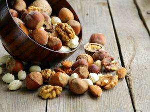 Snacking on Nuts