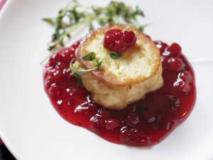 Soft Cheese Medallion with Compote recipe