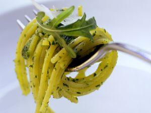 Spaghetti with Arugula Pesto recipe