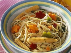 Spaghetti with Vegetables and Baby Corn recipe