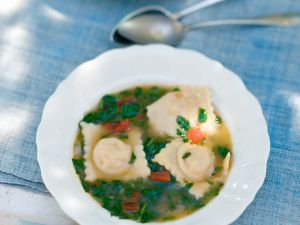 Spinach Soup with Cheese Ravioli recipe