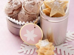 Star Cookies with Macarons recipe