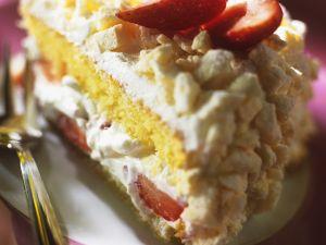 Strawberry Cream Cake with Meringue recipe