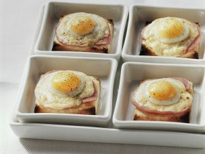 Toast with Ham, Cheese, and Fried Egg recipe