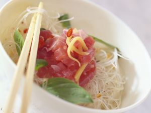 Tuna Tartare with Noodles recipe
