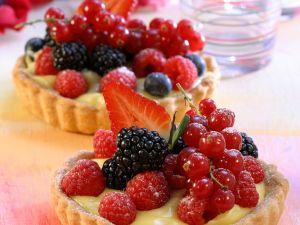 Vanilla Tarts with Berries recipe