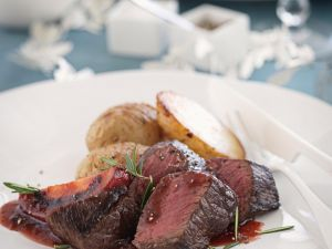 Venison Fillet with Tamarillo Sauce and Potatoes recipe