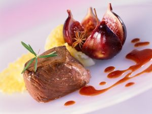 Venison Medallion with Fig and Wine Sauce recipe