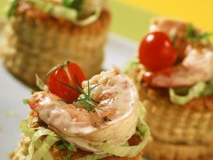 Vol-au-Vent Filled with Shrimp Cocktail recipe