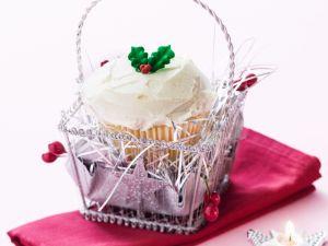 White Chocolate and Cranberry Festive Cupcakes recipe