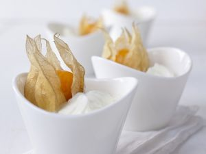 Yogurt-Quark Cream with Gooseberries recipe