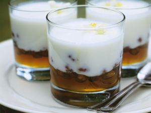 Yogurt with Honey and Nuts recipe