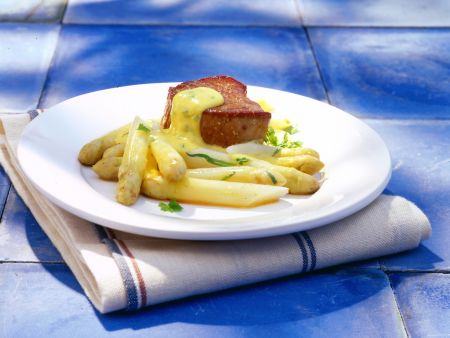 Asparagus with Herbed Hollandaise and Fillet Steak