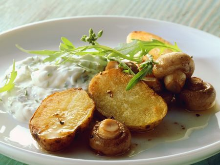 Baked Potatoes with Mushrooms