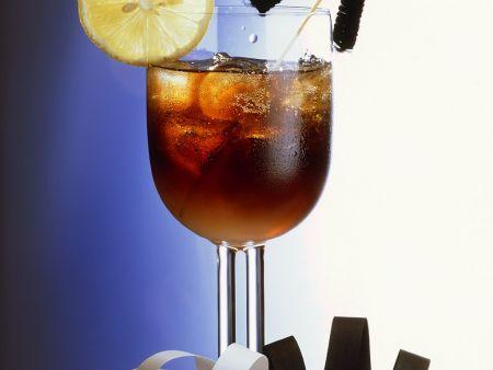 Cola-Rum Cocktail