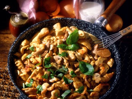 Fried Turkey with Mushrooms and Basil