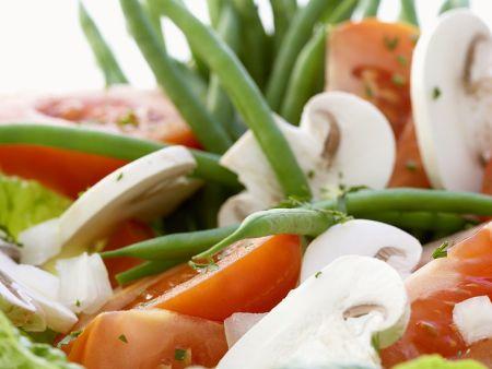 Green Bean, Mushroom and Tomato Green Salad
