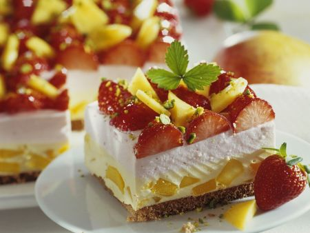 Mango and Strawberry Cream Cake