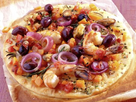 Seafood Pizza with Garlic and Tomatoes