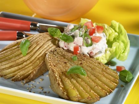 Sesame Potatoes with Quark and Vegetable Dip