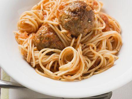 Spaghetti with Meatballs in Tomato Sauce