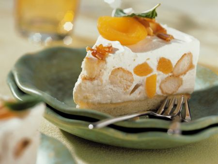 Spanish Brandy Torte with Apricots
