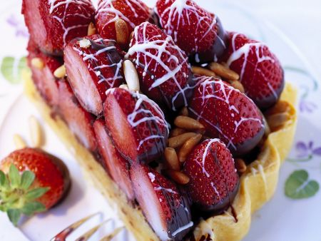 Strawberry Chocolate Nut Tart with Strawberries