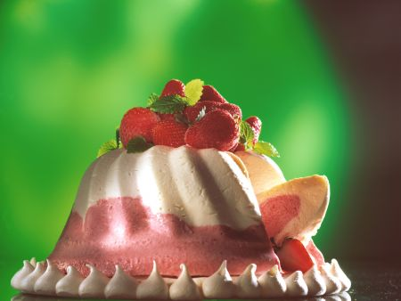 Strawberry Cream Mousse with Meringue