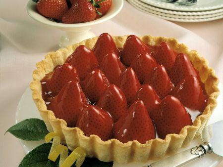 Tart with Vanilla Cream and Strawberries