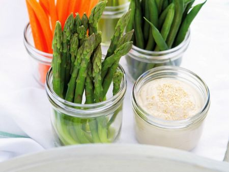 Vegetables with Creamy Tofu Dip