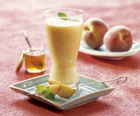 Almond and Peach Smoothie