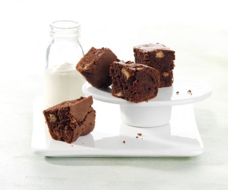 Apple-Hazelnut Brownies with Vanilla Sour Cream