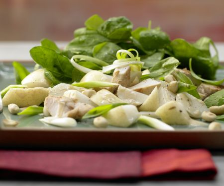 Asian Spinach Salad with Chicken Fillet