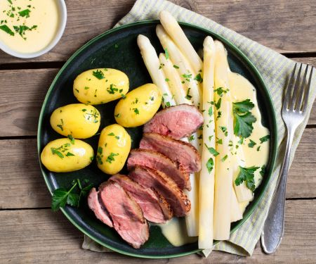 Asparagus Classic with Duck Breast