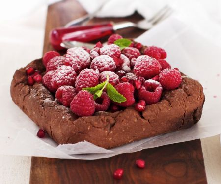 Baked Cocoa Square with Berries