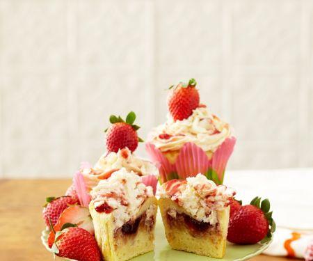 Berry Crumble Cakes