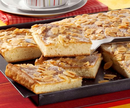 Butter Cake with Almonds
