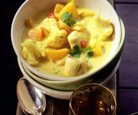 Chicken Curry with Cauliflower and Mango