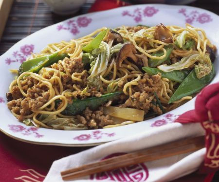 Chinese-Style Noodles with Ground Pork and Vegetables