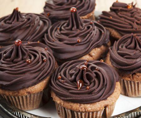 Chocolate Cakes with Buttercream Swirl