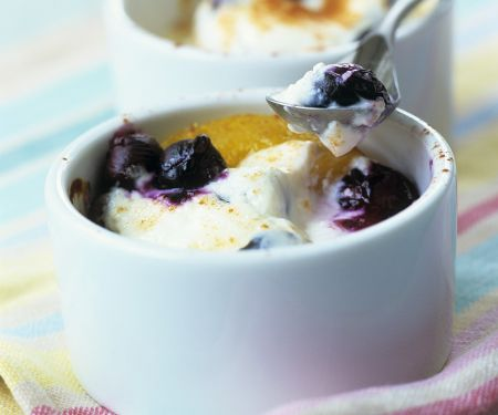 Creamy Gratin with Berries and Peaches