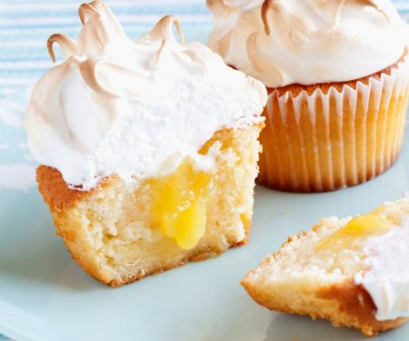 Curd Cakes with Meringue Topping